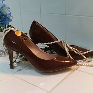 NWOT.  Kelly & Katie Brown Patten leather pumps